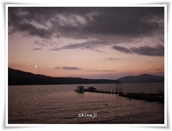 夕暮れの山中湖.jpg