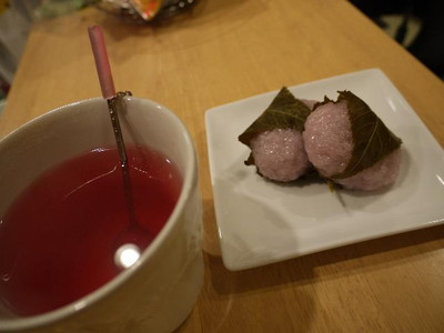 桜餅はすこししょっぱい.jpg